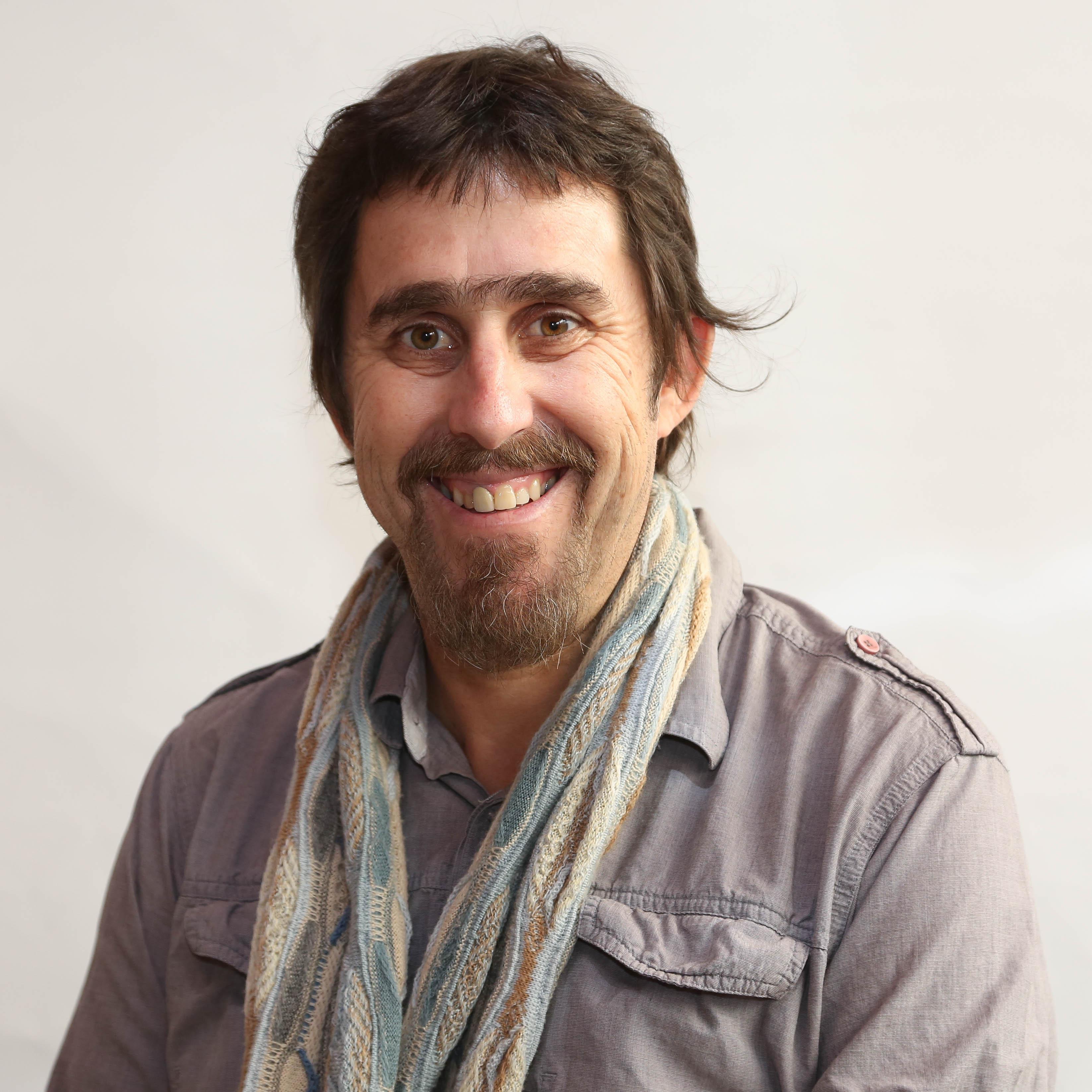 Dr. Andrés Ried